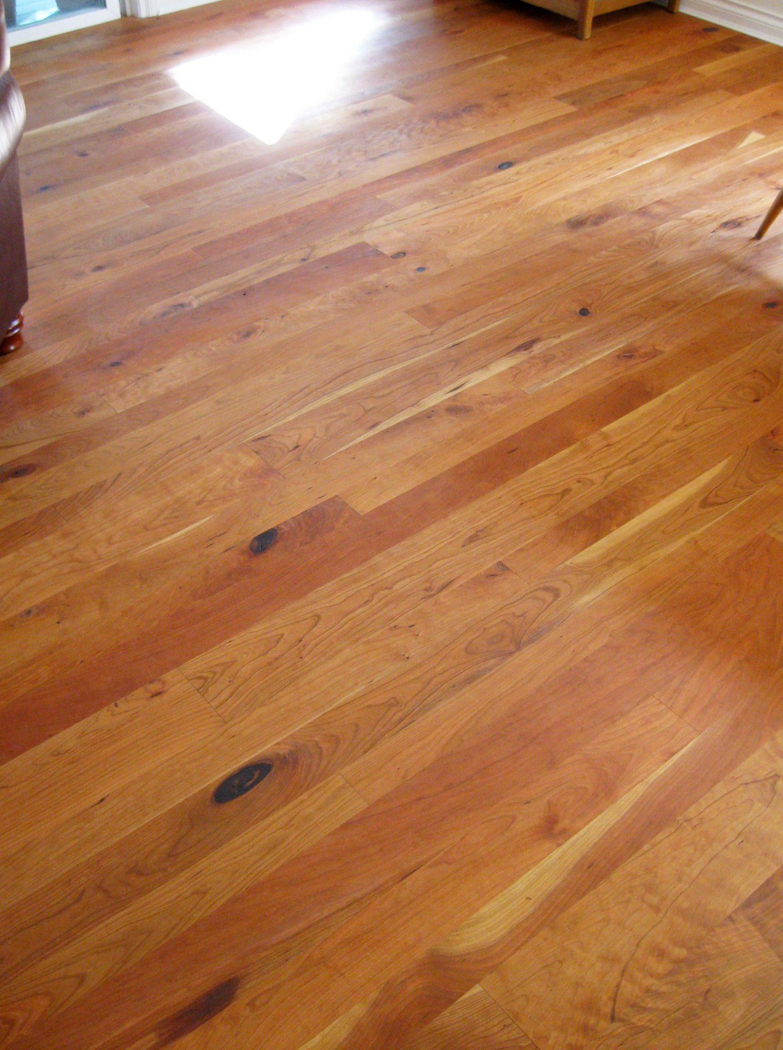 Rustic cherry flooring gurus floor for Cherry wood flooring